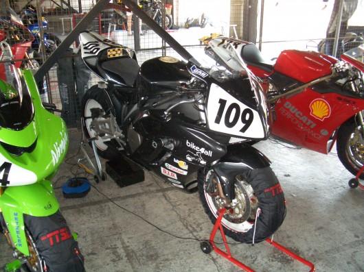 Bild Honda CBR 1000 RR 04 von Blader109