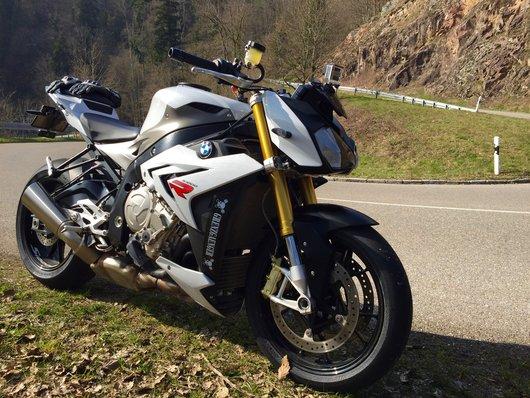 Bild BMW S1000R von