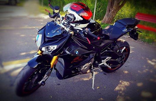 Bild BMW S1000R von street.rider.ch