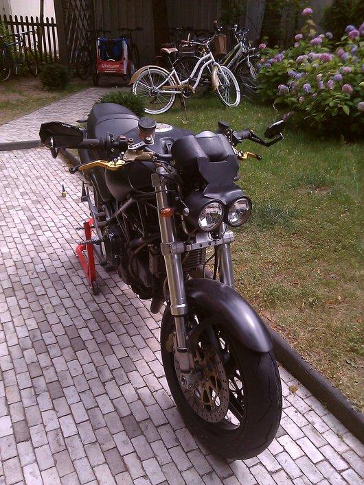 Bild Ducati M900 i.e. von Aki