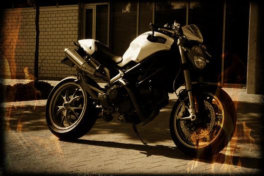Bild Ducati Monster 1100S von christian.vogel.2283