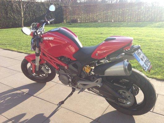 Bild Ducati Monster 696 von Urobine