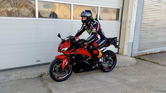 Bild Honda CBR600RR PC40  von Racedirectorr