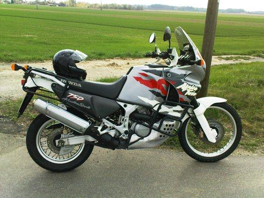 Bild Honda  XRV 750 RD07a Africa Twin von lexngangerl