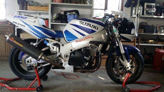 Bild Suzuki GSX R 750  von SuZuki