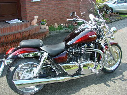 Bild Triumph Thunderbird von henders