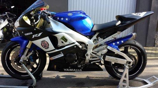 Bild Yamaha R1 RN 04 von maschp