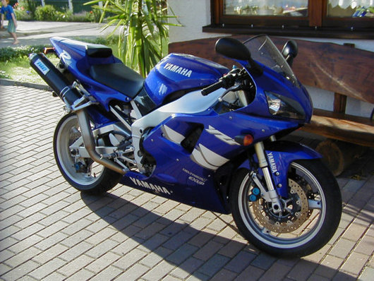 Bild Yamaha R1 RN01 von Grasslm