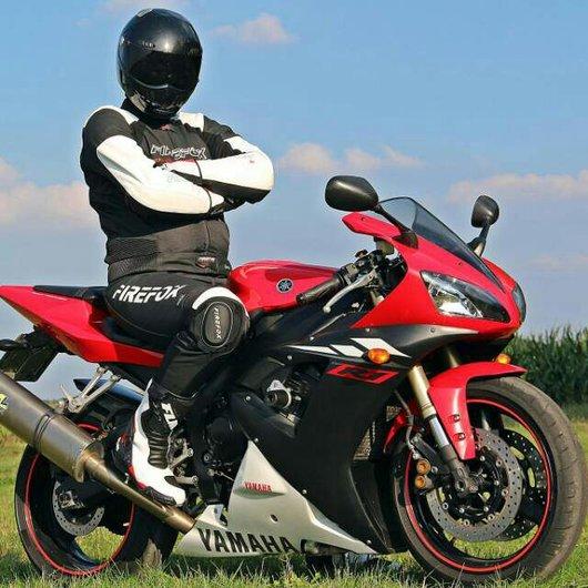 Bild Yamaha YZF-R1 von Blackwater2k